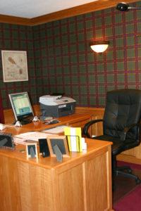 b04-office